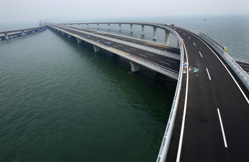 Jembatan Terpanjang di Dunia Weinan Weihe Grand Bridge - reviewsa2z.com