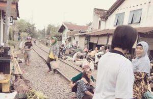 Suasana Pasar Bawang - Banjaran